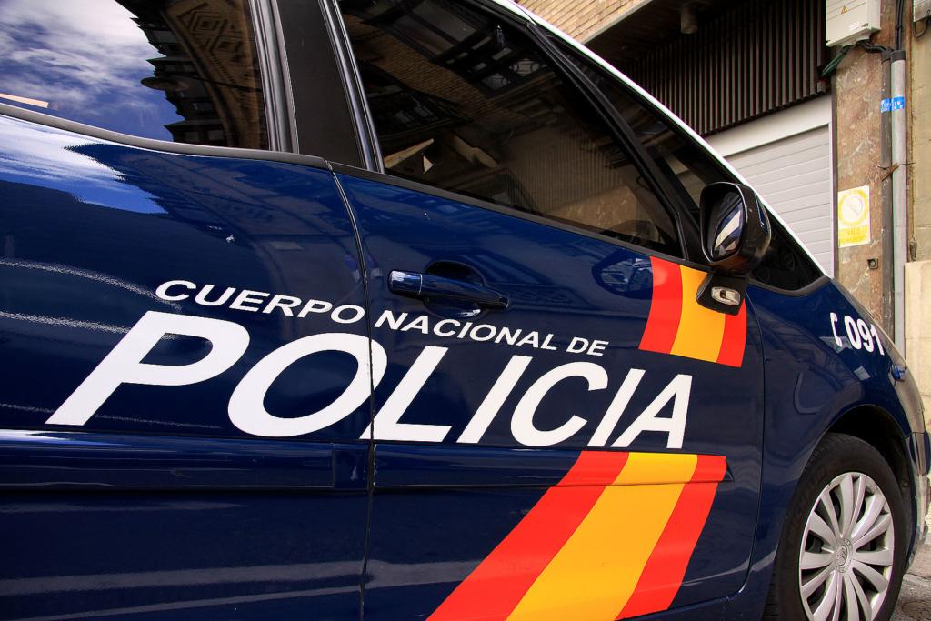perro mujer policia-nacional padre adolescente