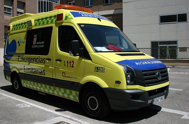 Dos heridos en una colisión entre una furgoneta y una moto