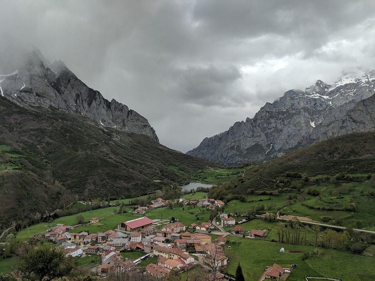 posada de valdeon picos pueblo leon