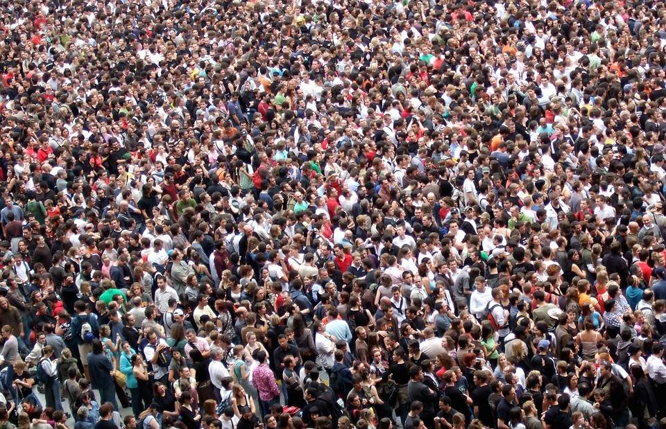 aglomeracion gente mucha evento
