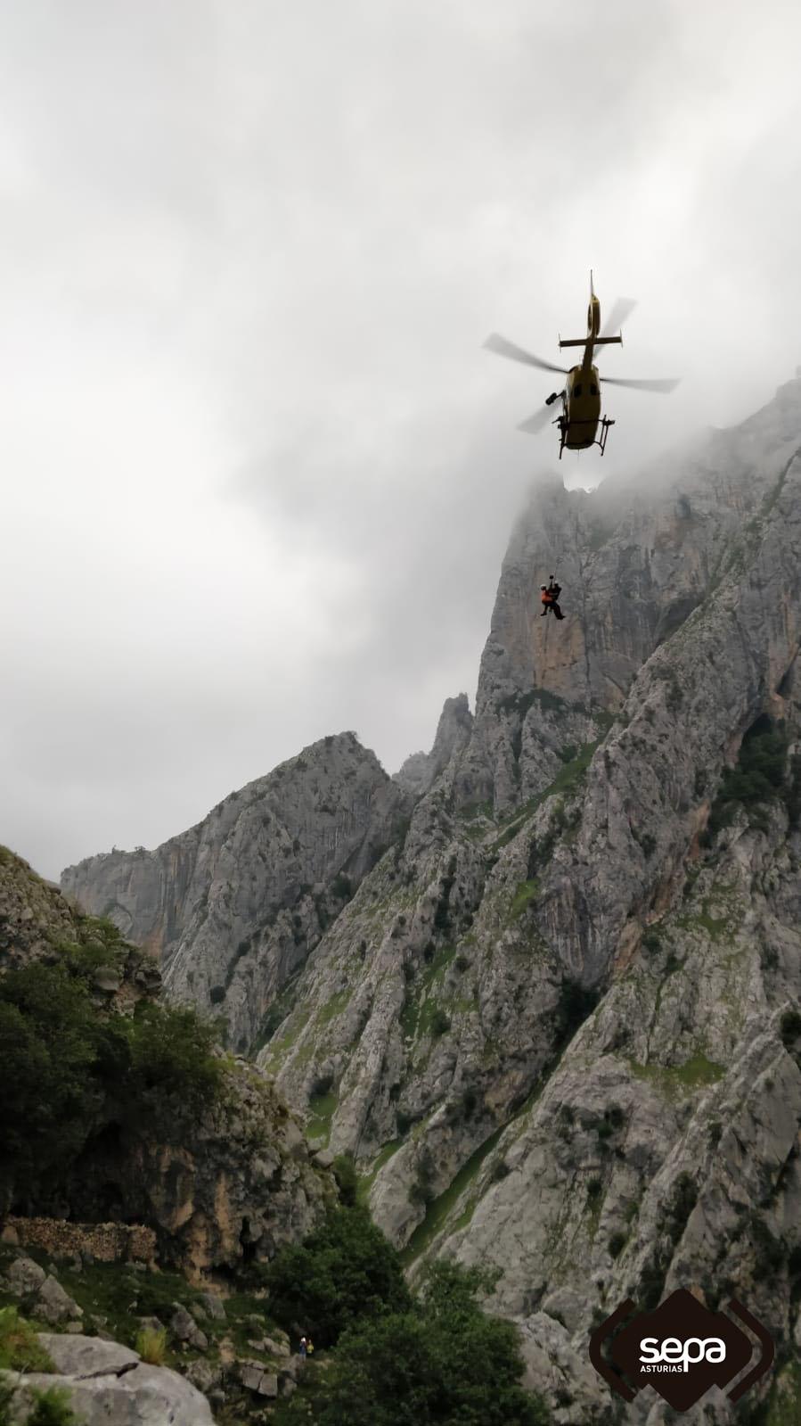 sepa helicoptero rescate montaña