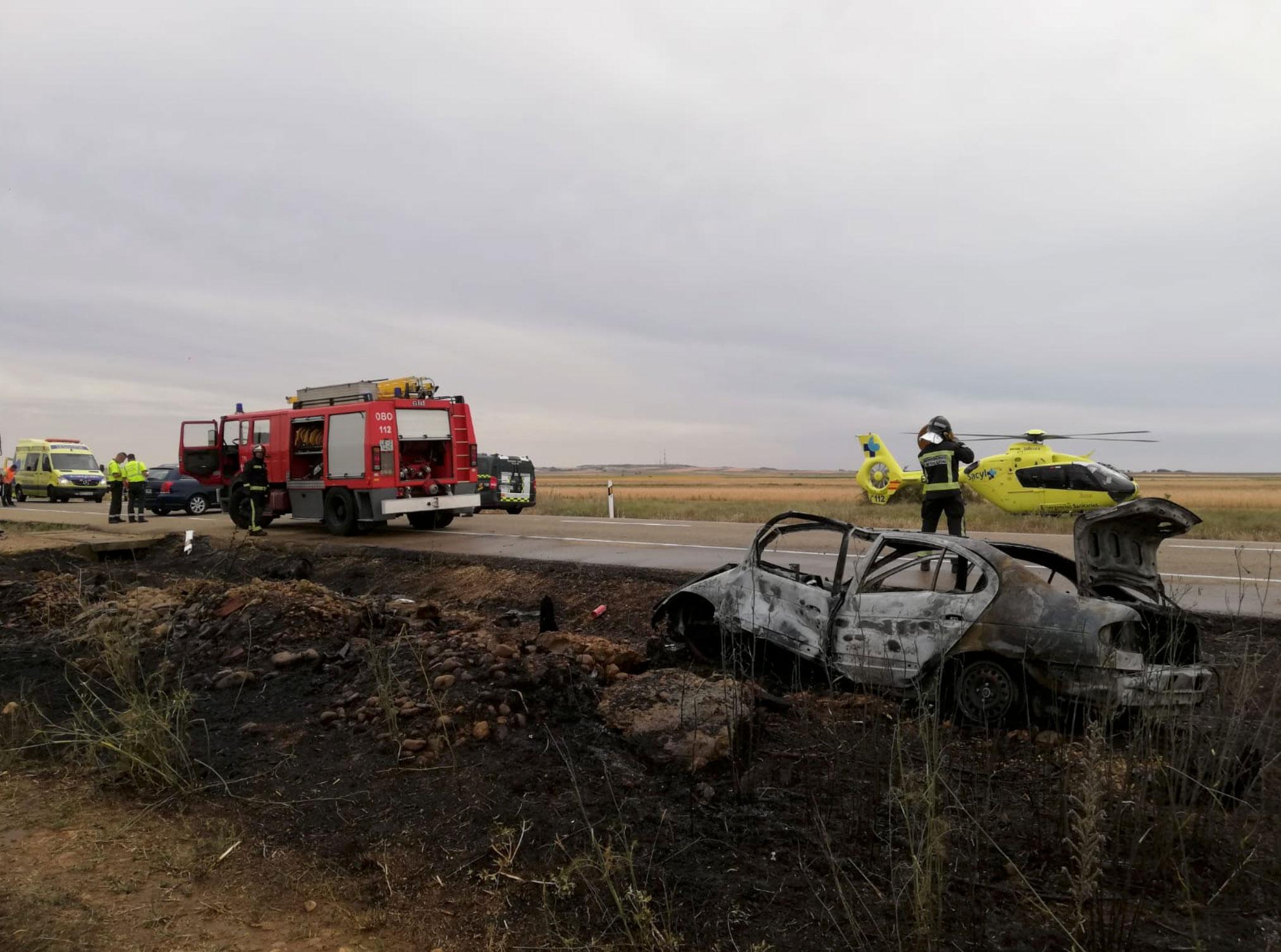 accidente de trafico helicoptero sacyl y bomberos