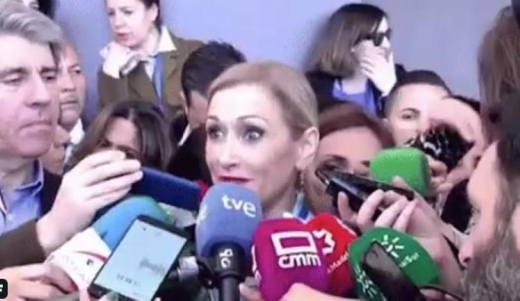 Cristina Cifuentes responde en supervivientes