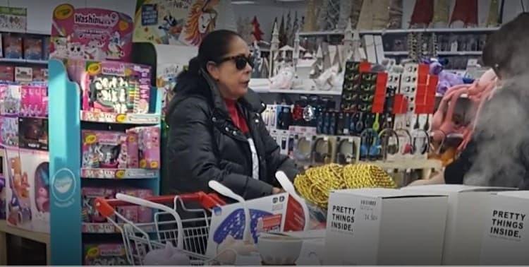 Isabel Pantoja Bazar Chino Navidad