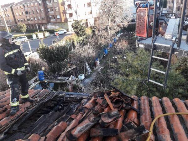 incendio en Trobajo del Camino Bomberos de León