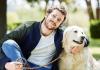 Álex Lequio y su perra