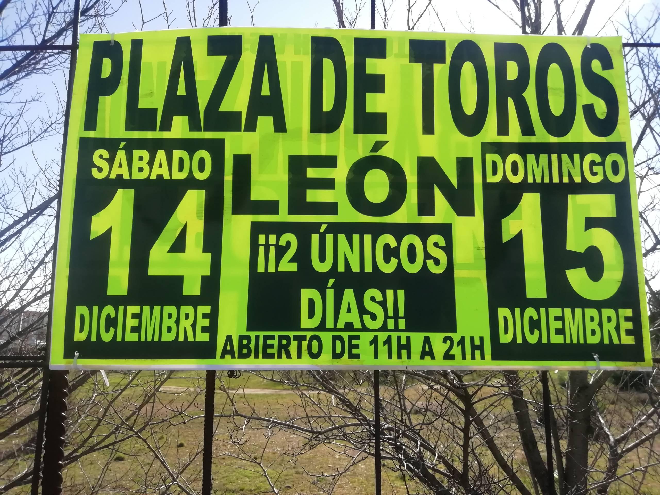 cartel misterioso de la plaza de toros de león