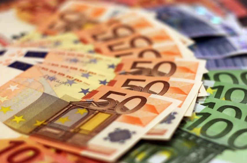 """Encuentra 2.000 euros y se los queda porque """"el dinero no tiene nombre"""""""
