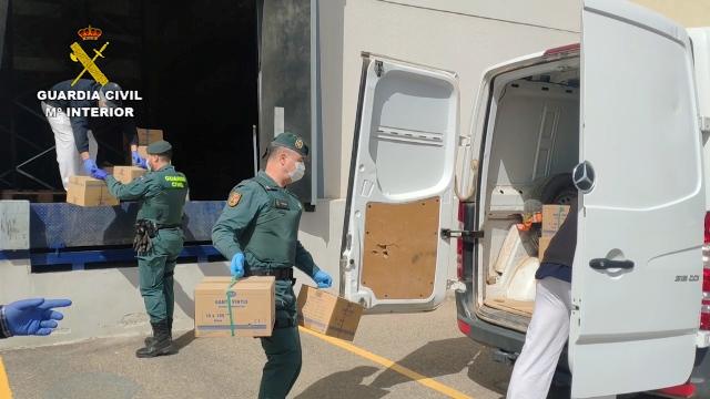 La Guardia Civil realiza múltiples repartos de servicios esenciales