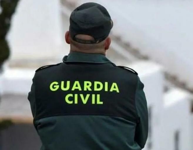 Interior obliga a la Guardia Civil y Policía a trabajar sin mascarillas