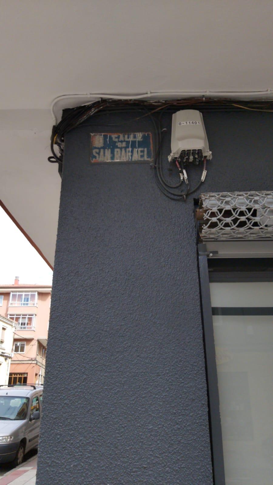 PrecauciónPrecaución si circulas por la calle San Rafael de León si circulas por la calle San Rafael de León