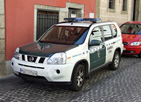 Una mujer infectada por coronavirus escupió a siete agentes de la Guardia Civil cuando estos procedían a su detención.