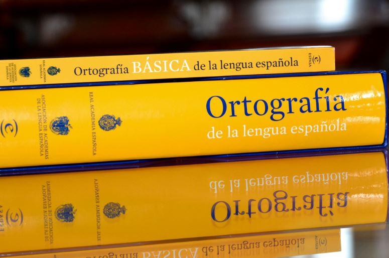 ortografía de la real acedemia española con el castellano
