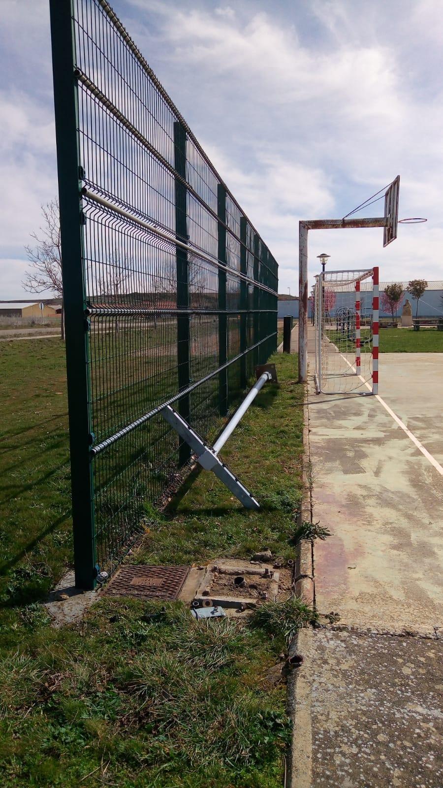 roban cable eléctrico del polideportivo de reliegos