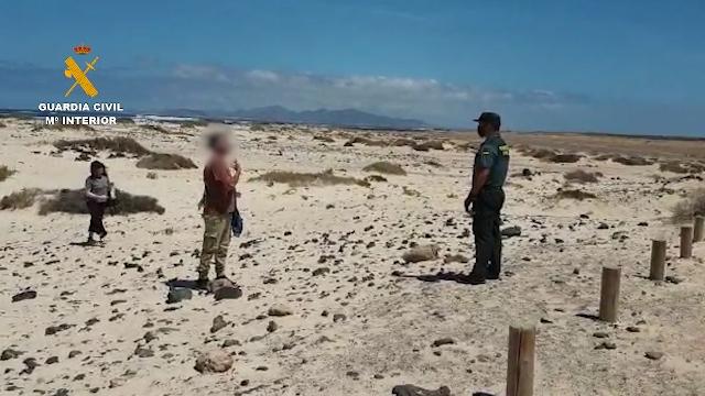 Sorprendida una pareja en la playa incumpliendo la cuarentena