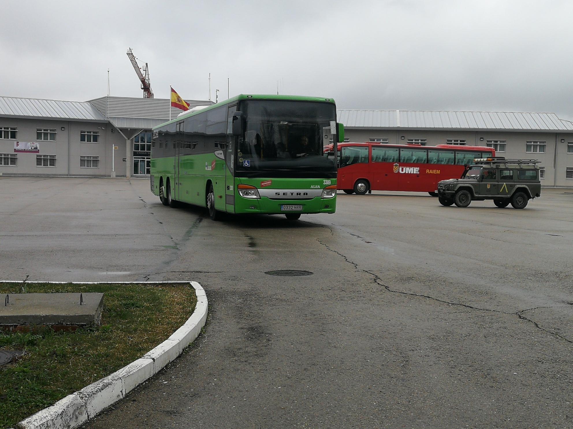 Alsa cede los autobuses de León a la UME para el traslado de enfermos
