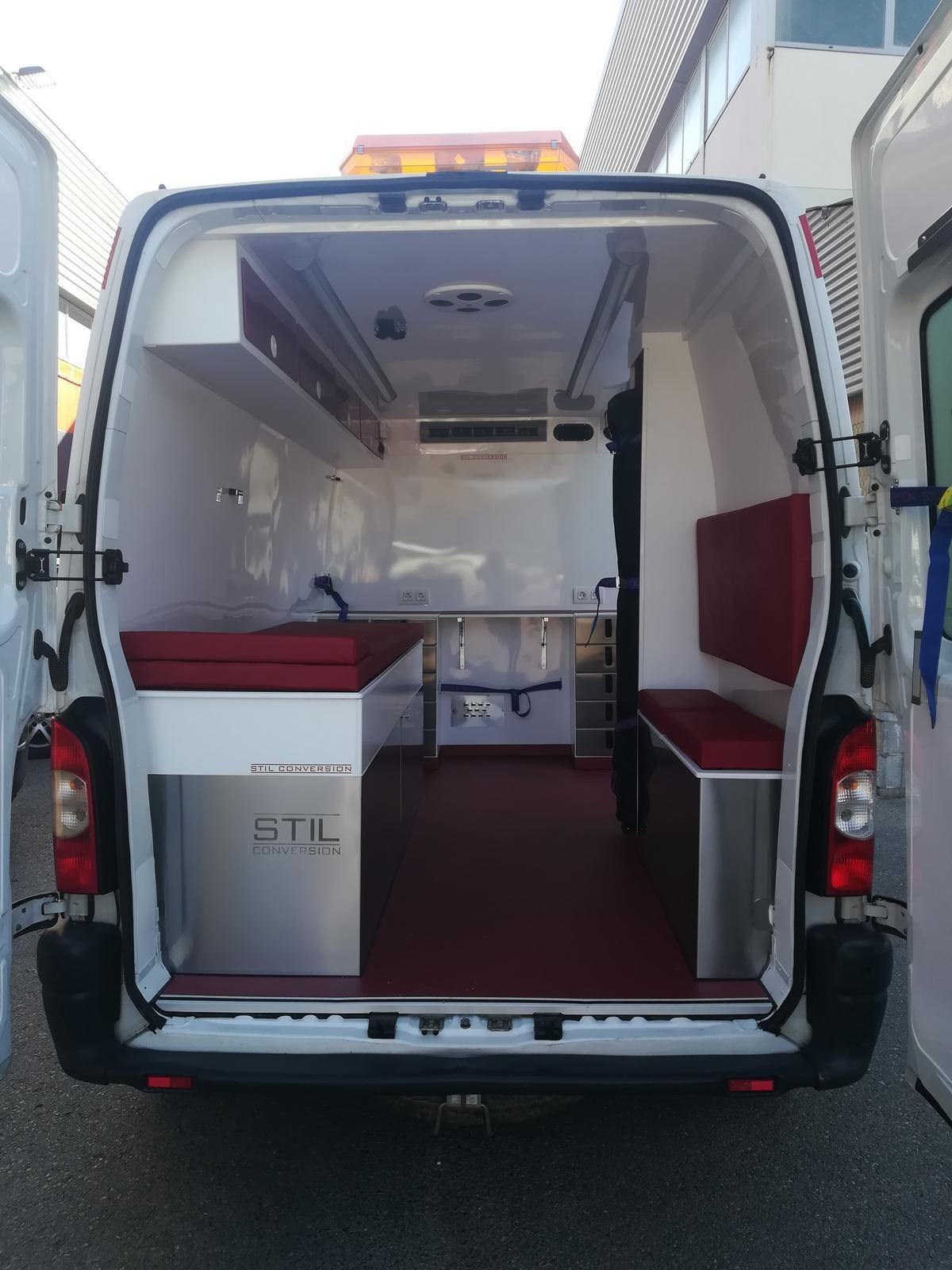 Esta es la transformación de una ambulancia de León
