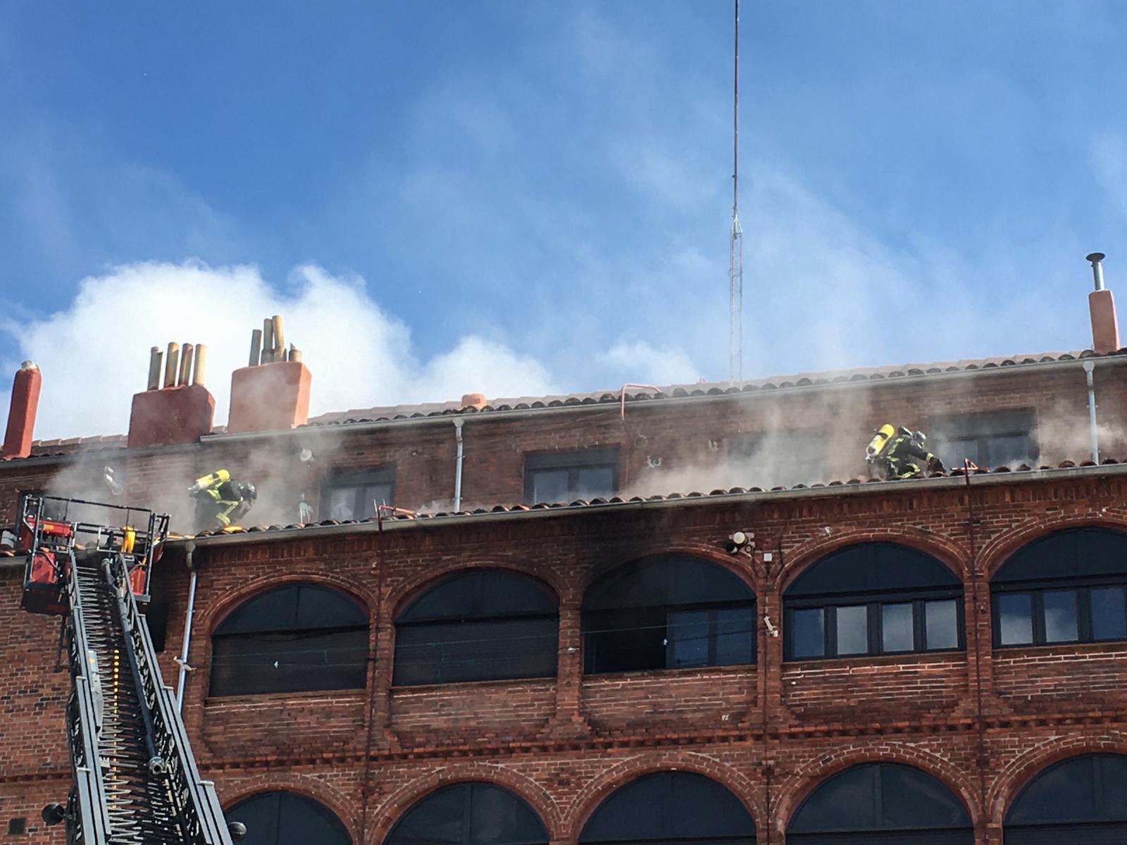 Los Bomberos acuden a un incendio en la calle Astorga de León