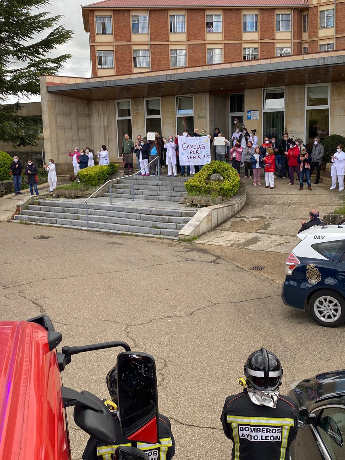 Emotivo homenaje en el Hospital Santa Isabel de León