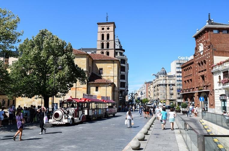 Los empresarios del turismo en León rechazan el plan de desescalada