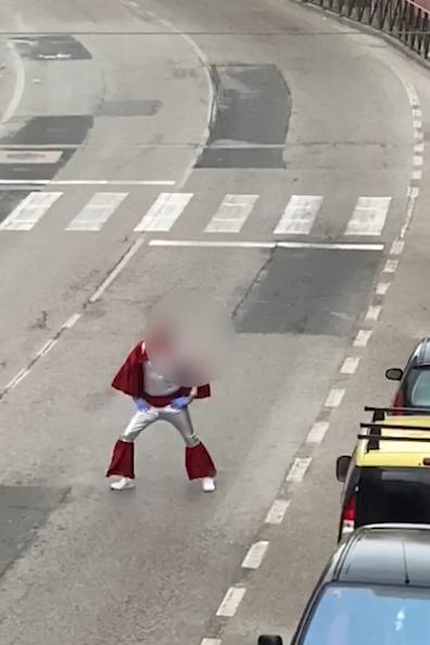 VÍDEO| Denunciados por bailar en la calle disfrazados y publicarlo en redes