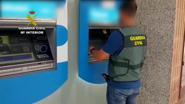 Cinco detenidos por estafar 60.000€ en cajeros a personas mayores