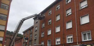 Los bomberos dieron por finalizada la intervención a su llegada a base, a las 20 horas.