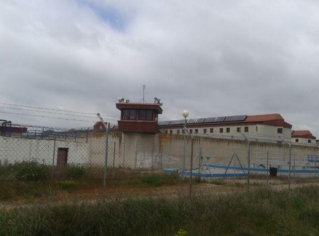 Montserrat y Triana: su trabajo dentro de la prisión