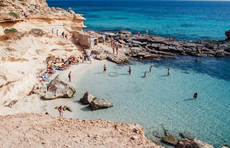 Los españoles se decantan por viajes de solteros este verano