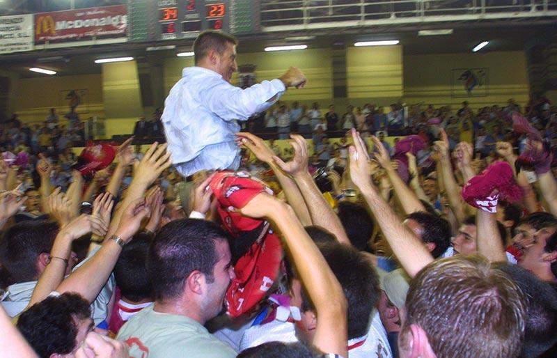 """ABANCA suspende la experiencia """"20 años de la Liga del Ademar"""""""