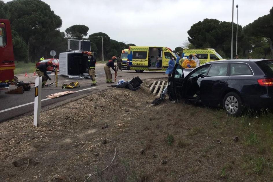 colisión entre un turismo y una furgoneta en valladolid