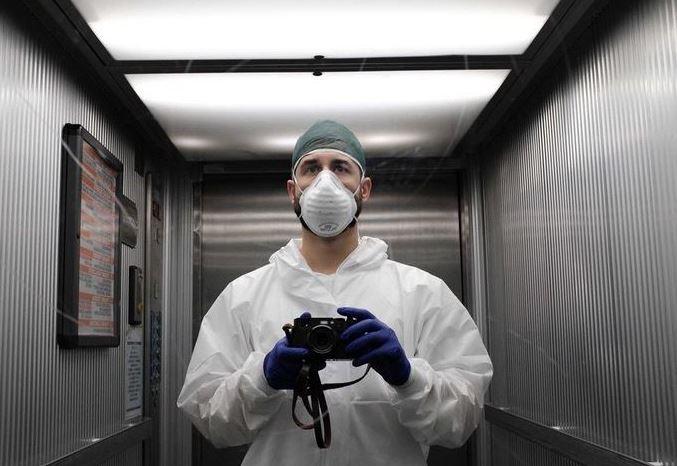 médico durante el coronavirus en el hospital
