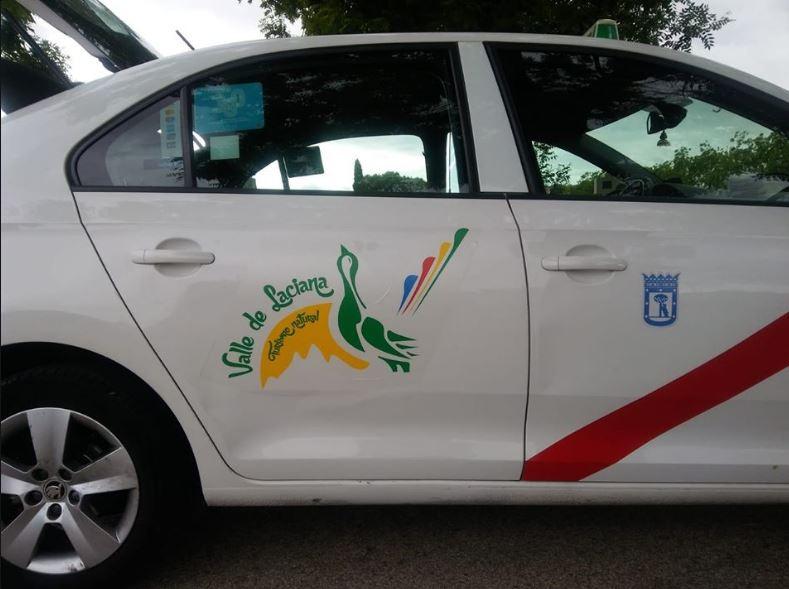 Mira el nuevo rótulo que lucen los taxis y en los que aparece León
