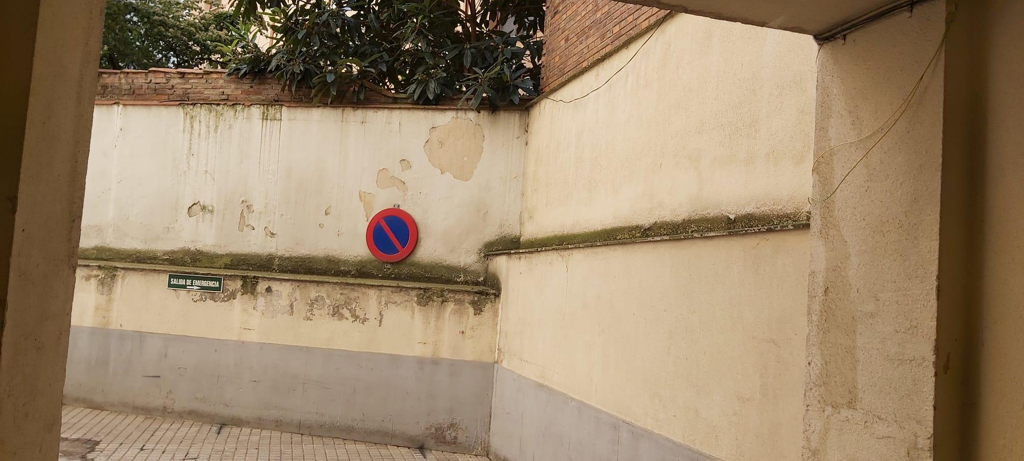 Lamentable estado de los accesos del ambulatoria de la Condesa