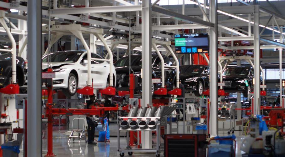 Concentración en nombre de los trabajadores por el cierre de Nissan