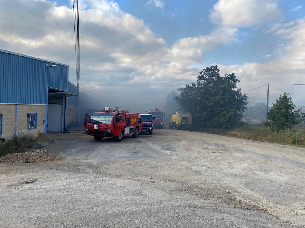 Grave y angustioso incendio en Valverde de la Virgen en León