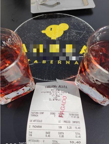"""La """"nueva normalidad"""" de los precios en León, dos pacharanes, 10 euros"""
