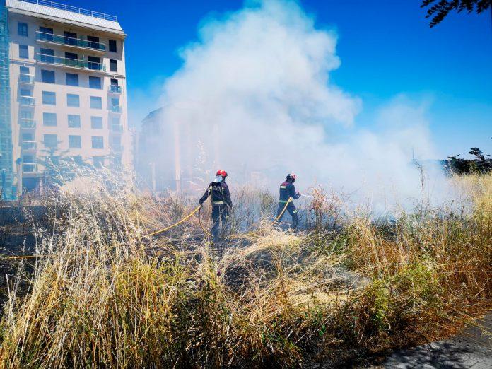 Los Bomberos de León sofocan un incendio en La Palomera