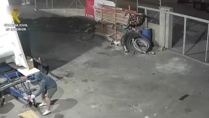 Detenidos por robar dos piscinas prefrabicadas de gran tamaño