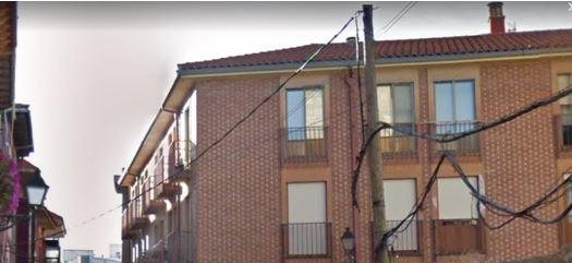 Reclaman el soterramiento de los cables aéreos de León