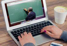 La radio universitaria aborda las clases online esta tarde