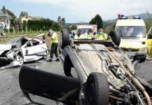 Dos heridos como consecuencia del choque de dos coches