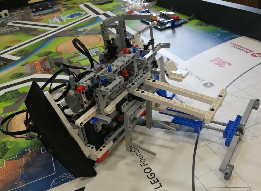 El Colegio Divina Pastora gana el premio LEGO league