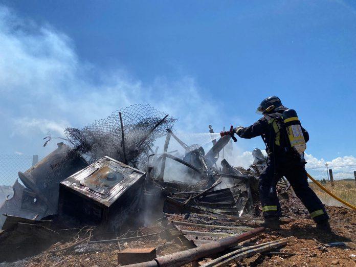 VÍDEO| Incendio en una nave en el municipio de Benazolve