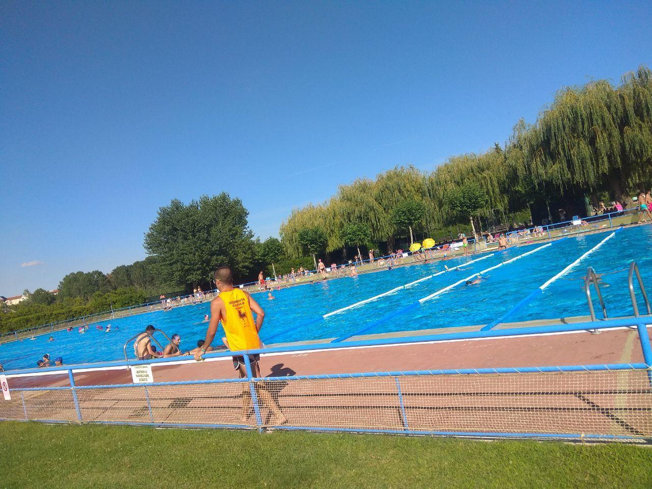 ¿Se están cumpliendo las normas en las piscinas de León?