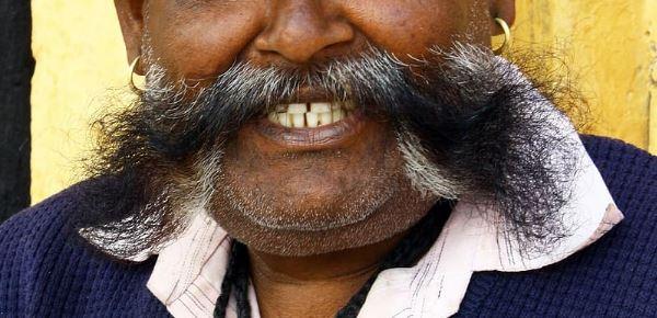 Conoce al leonés que asegura leer la mente a través del bigote