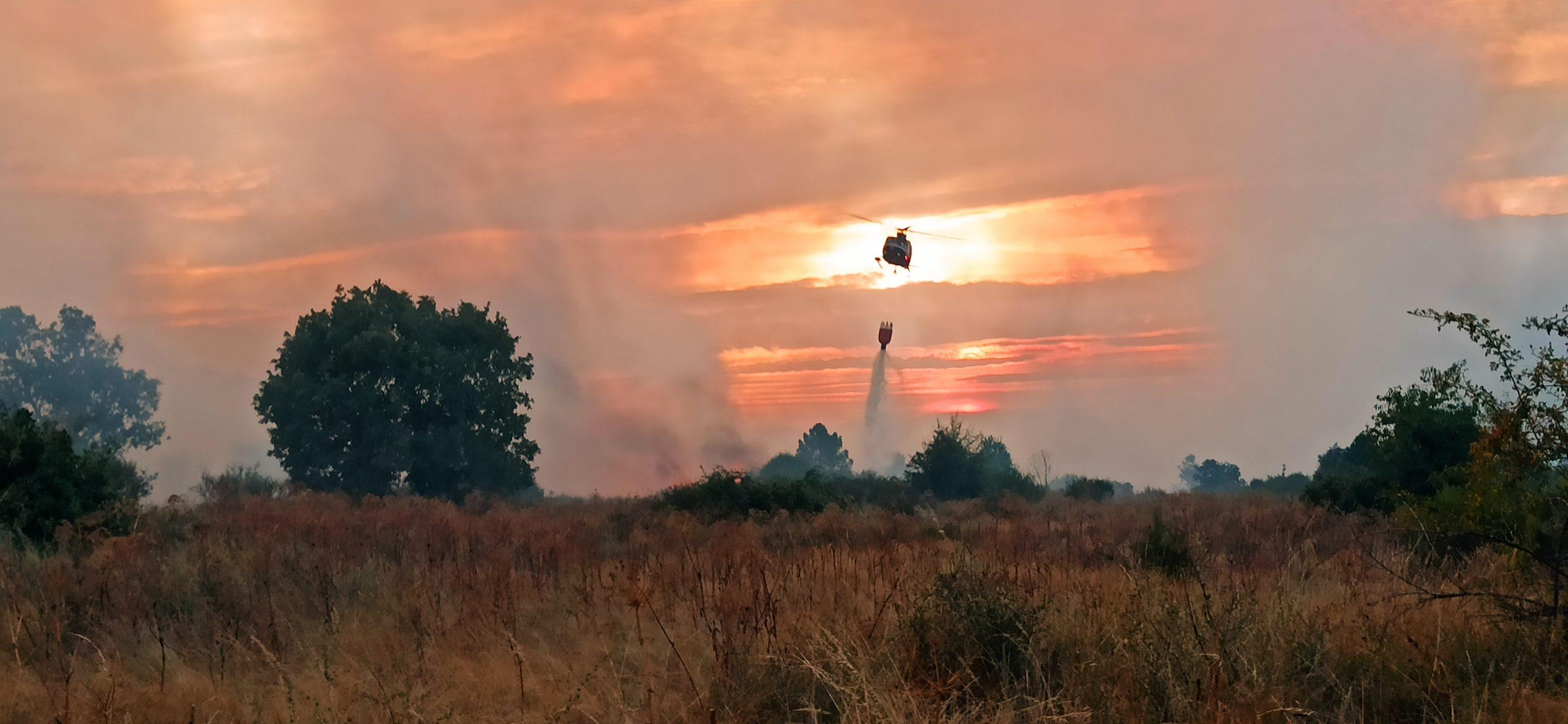 Helicoptero en el Incendio Nogarejas