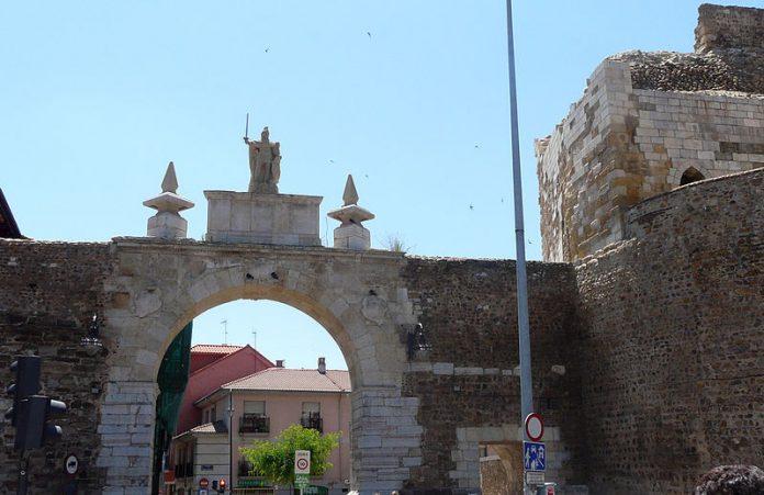castillo_puerta