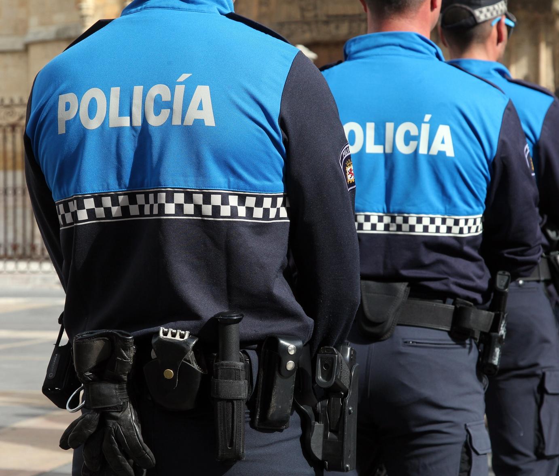 policia local de leon interviene en un bar de eras de renueva