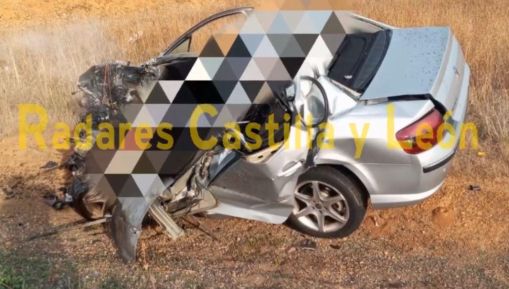 Un muerto en una grave colisión frontal en Valverde de la Virgen